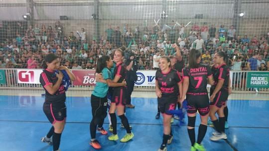 5f3d81efd97e5 Há 1 ano Copa TV TEM de Futsal Bauru. Copa TV TEM  Bauru recebe as finais  masculina e feminina nesta sexta-feira