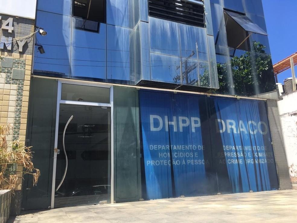 Caso vai ser investigado pelo Departamento de Homicídio e Proteção Pessoa (DHPP), em Salvador — Foto: Alan Oliveira/G1