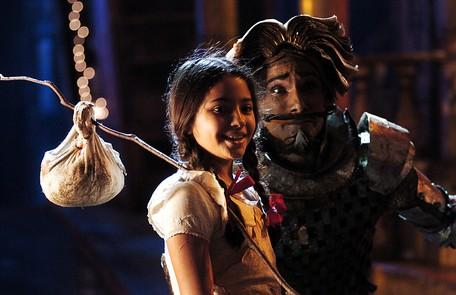 Carolina estreou na TV em 2005, na séria 'Hoje é dia de Maria', ao lado de Rodrigo Santoro Renato Rocha Miranda/ TV Globo