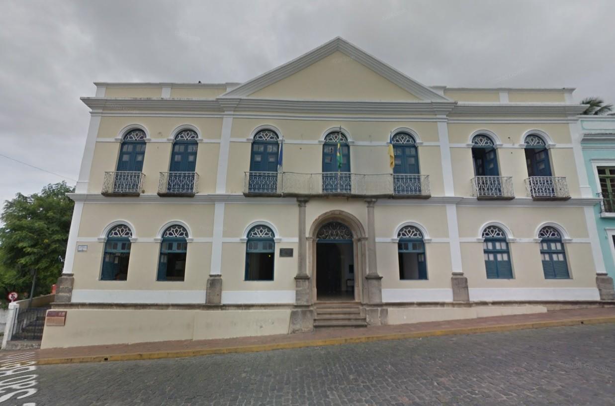 Prefeitura de Olinda faz seleção simplificada com 198 vagas e salários de até R$ 2,5 mil