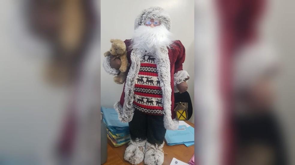 Polícia recupera Papai Noel furtado de prédio na Asa Sul, em Brasília — Foto: PCDF/Divulgação