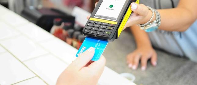 Maquininhas de pagamento também serão usadas para dar crédito a pequenos negócios no país