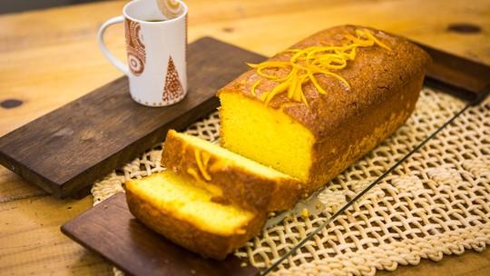 5 bolos simples de liquidificador para comer a qualquer hora