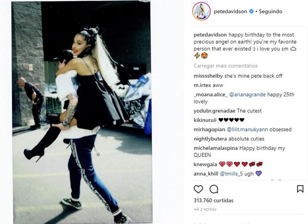 Pete Davidson parabeniza Ariana Grande (Foto: Reprodução/Instagram)