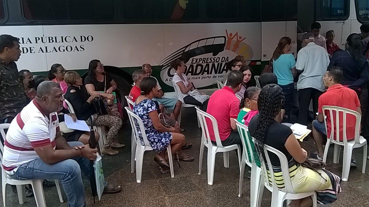 Programa 'Defensoria na Comunidade' realiza atividade no Vergel, em Maceió