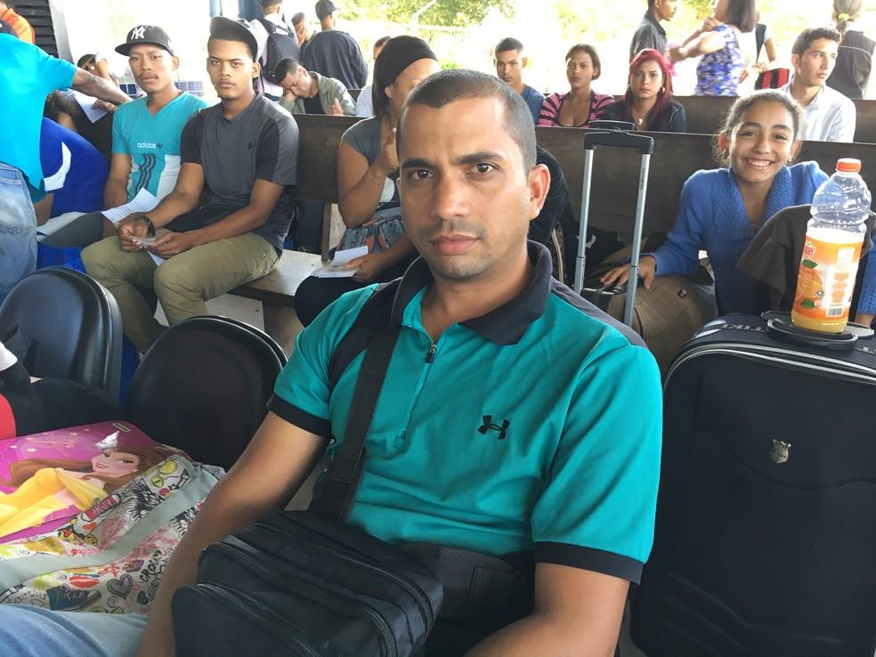 Richard Villashi deixou a Venezuela para ficar por alguns dias no Brasil (Foto: Emily Costa/G1 RR)