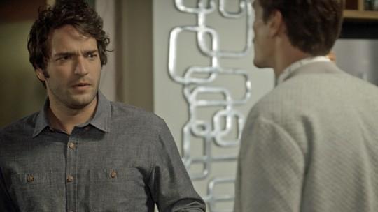 Tiago e Antonio discutem por causa de Letícia