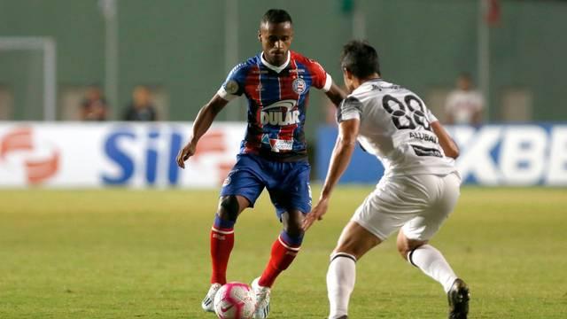 """Jogadores do Bahia usaram camisas """"manchadas de óleo"""" diante do Ceará"""