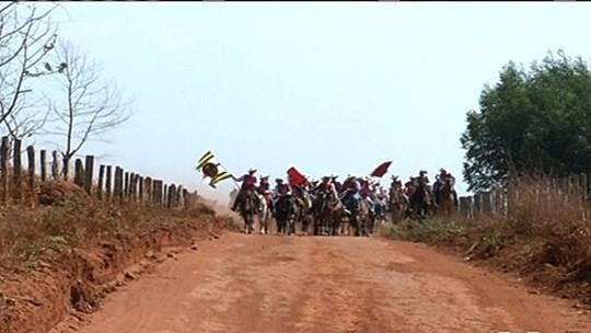 Devotos percorrem 150 km à cavalo de Jesúpolis a Trindade, em Goiás
