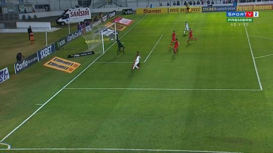 """Vinícius se firma no gol do CRB e faz sucesso até nas redes sociais: """"Mais de 12 mil seguidores"""""""