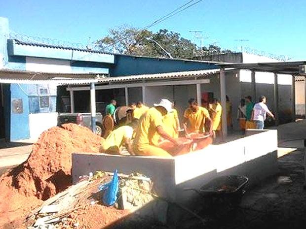Presos recebem mensalmente o valor de R$ 543 pelo trabalho na fábrica (Foto: Assessoria/Sejudh-MT)