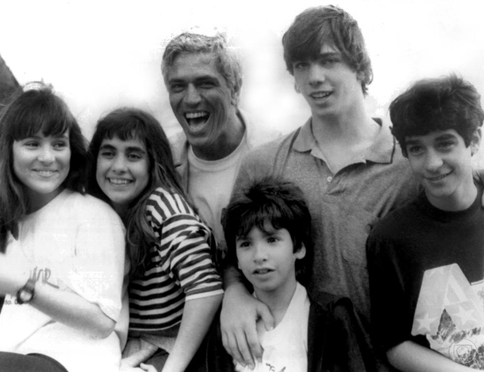 Olha eles aí! Gabriela Duarte, Carol Machado, Nuno Leal Maia, Igor Lage, Marcelo Faria e Henrique Farias em 'Top Model' (1986) — Foto: Nelson Di Rago/TV Globo