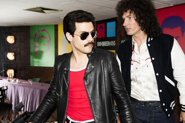 DF-14964_R – Rami Malek (Freddie Mercury) and Gwilym Lee (Brian May) star in Twentieth Century Fox's BOHEMIAN RHAPSODY. Photo Credit: Alex Bailey. (Foto:  20th Century Fox/Divulgação )