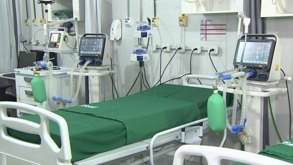 Leito de UTI no Hospital de Campanha da Zona Leste, instalado no Cero em Porto Velho — Foto: Reprodução/Rede Amazônica