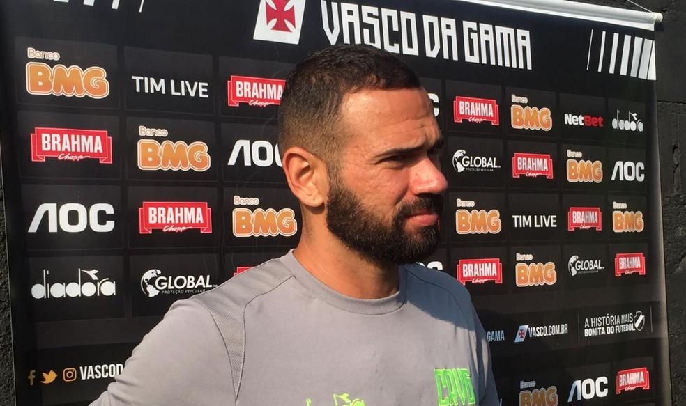 Leandro Castan reforça o Vasco depois de longo tempo lesionado — Foto: Felippe Costa/GloboEsporte.com