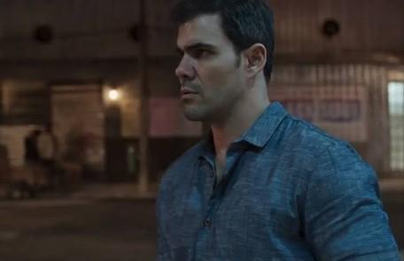 Na quinta (6), Magno (Juliano Cazarré) saíra da prisão Reprodução