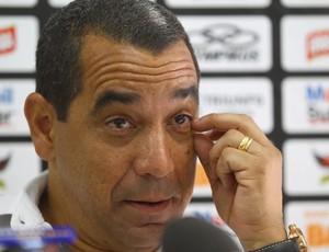 Zinho confirma pendências com futebol: 'Impossível resolver agora'