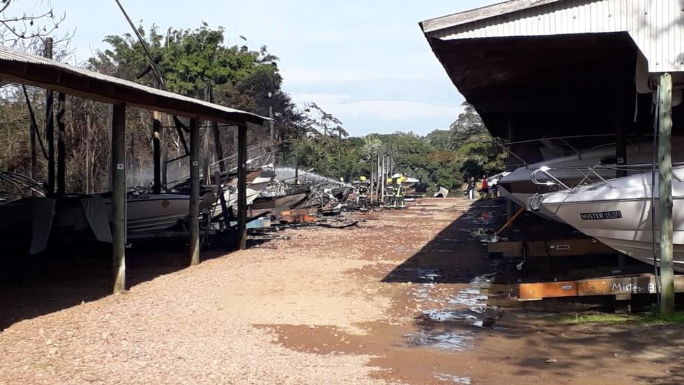 Incêndio Atinge Marina Na Ilha Das Flores E Destrói Mais De