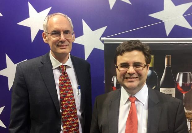 Clay Hamilton, ministro conselheiro do USDA, e, Ricardo Zuniga, cônsul-geral dos EUA em São Paulo, na APAS Show 2018  (Foto: Mariane Reghin)