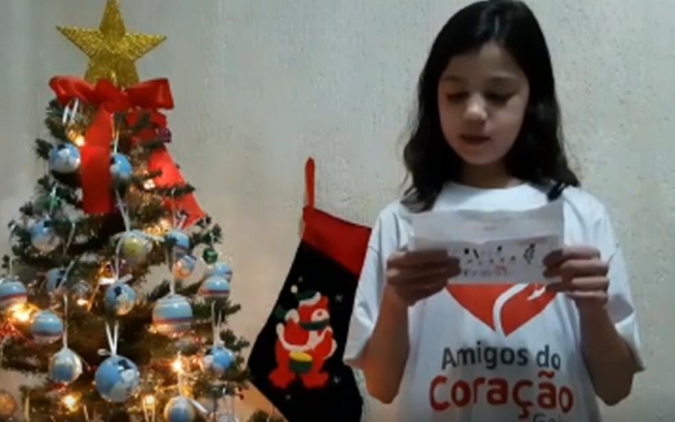Maria Júlia Fontenele Neves, de 11 anos, pede  cateterismo de presente de Natal, em Cidade Ocidental — Foto: Reprodução/TV Anhanguera
