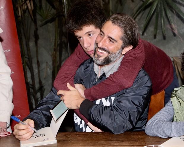 Marcos Mion e o filho, Romeo (Foto: Manuela Scarpa/Brazil News)