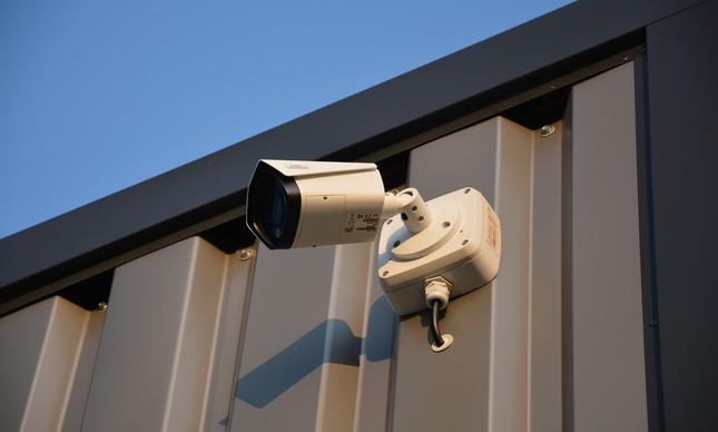 Com inteligência artificial, câmeras de vigilância alertam sobre situações suspeitas