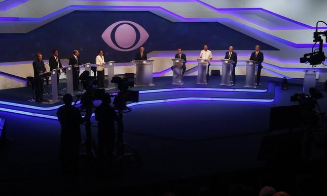 Candidatos em debate