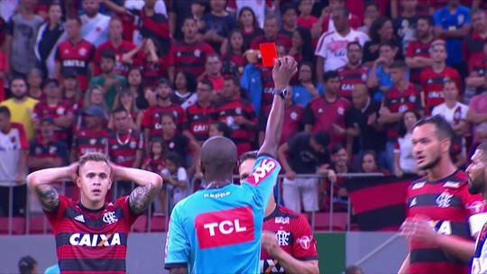 Diego nega ter ofendido árbitro em expulsão em Vasco x Flamengo