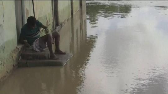 Chuva em Barreiros deixa mais de 500 famílias desalojadas