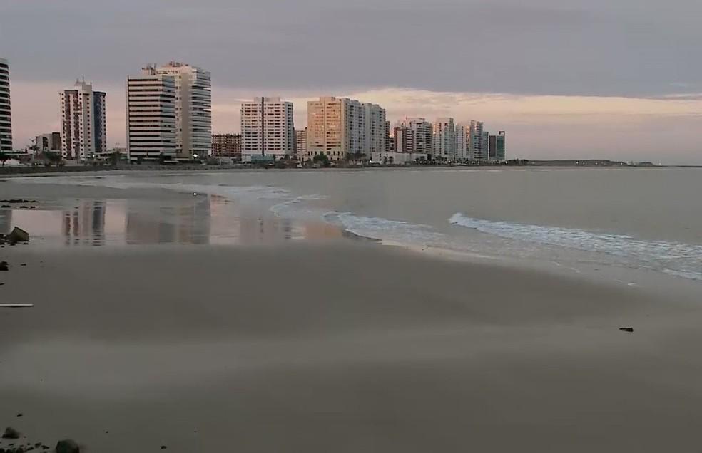 Segundo a Sema praia da Ponta d'Areia é uma das que lidera a lista com seis pontos de poluição — Foto: Reprodução/TV Mirante