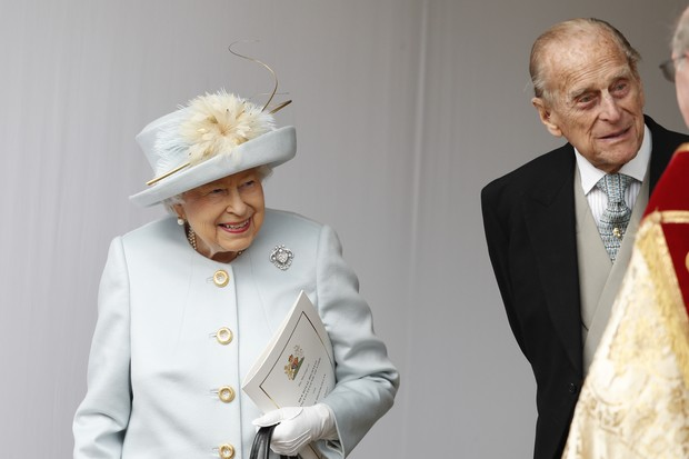 WINDSOR, ENGLAND - OCTOBER 12: Queen Elizabeth II and Prince Philip, Duke of Edinburgh look on after the wedding of Princess Eugenie of York and Mr. Jack Brooksbank at St. George's Chapel on October 12, 2018 in Windsor, England. (Photo by Alastair Grant - (Foto: Getty Images)