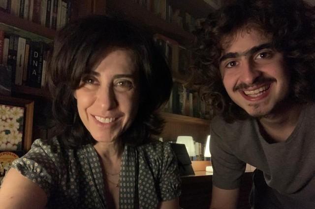 Fernanda Torres e Joaquim Waddington em 'Diário de um confinado' (Foto: Divulgação)