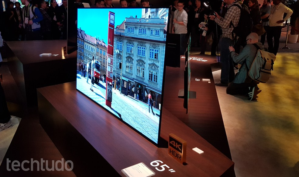 Sony OLED A1E tem design One Slate (Foto: Thássius Veloso/TechTudo)