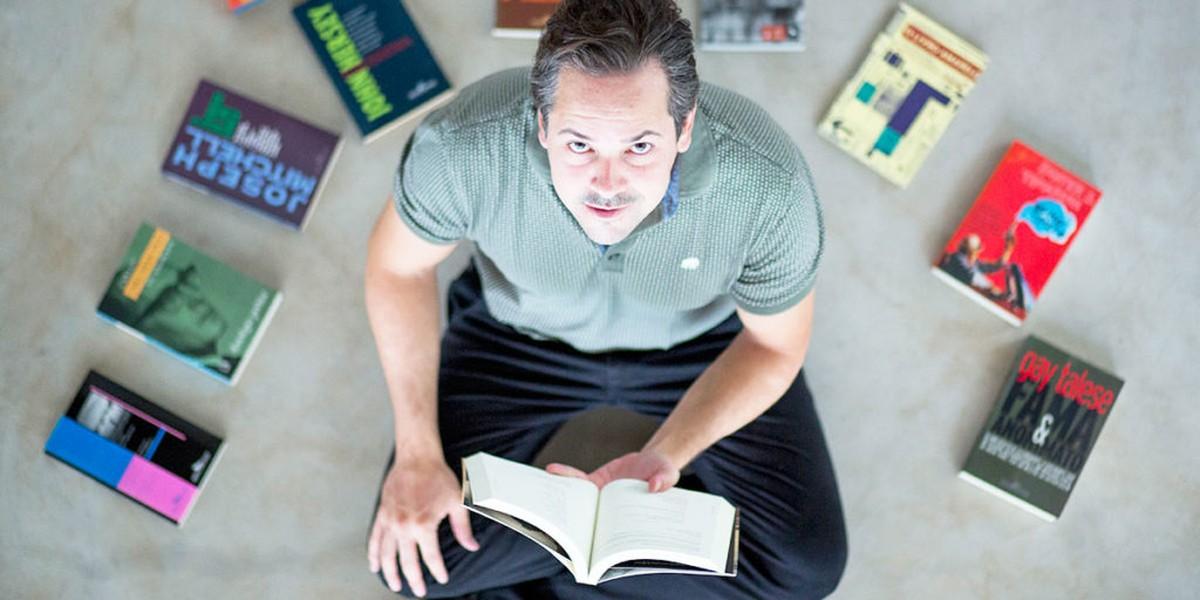 Jornalista lança em Campinas livro com histórias de pessoas que perderam a visão