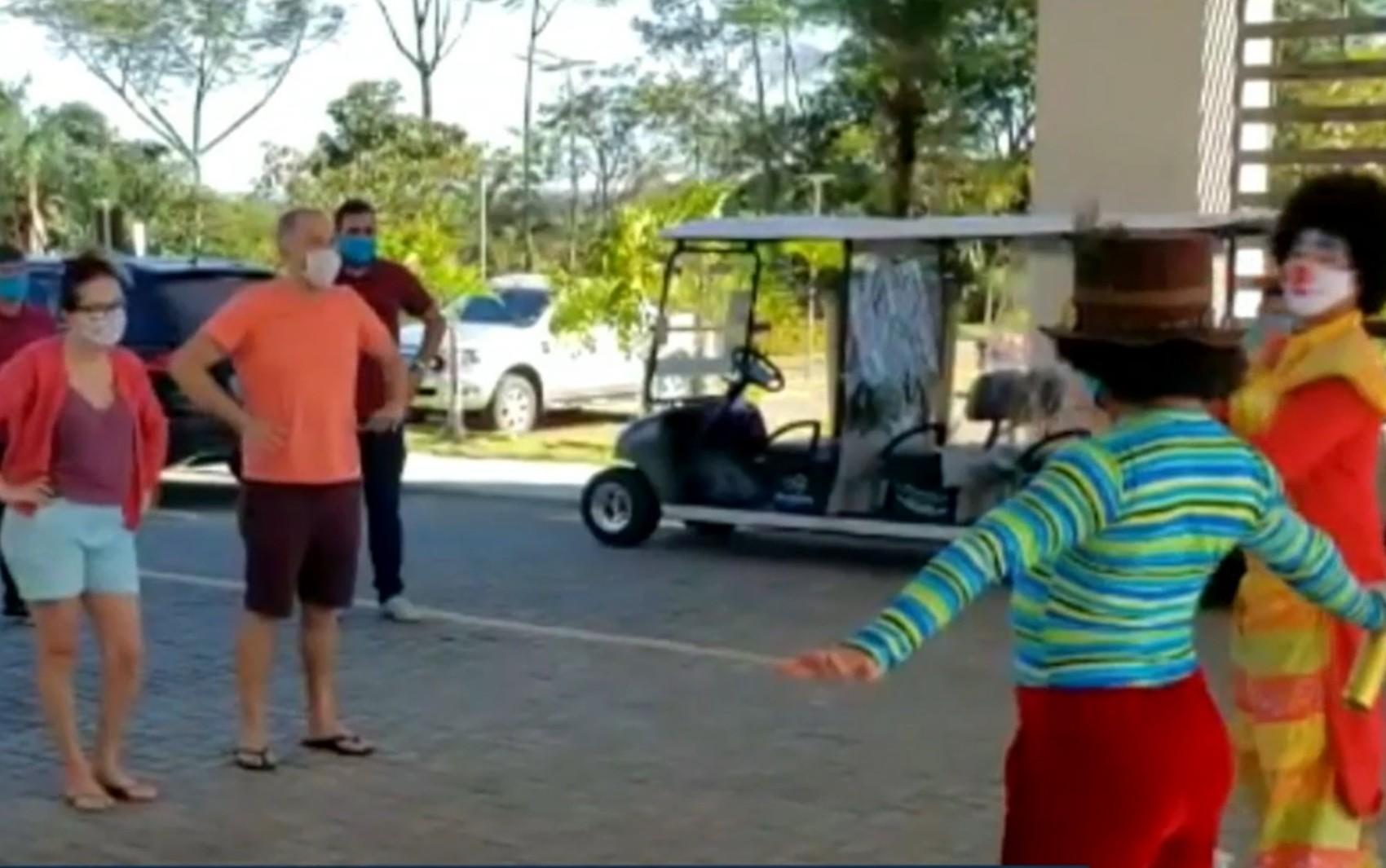 Pousadas e hotéis de Rio Quente voltam a receber turistas e fazem recepção bem-humorada; vídeo