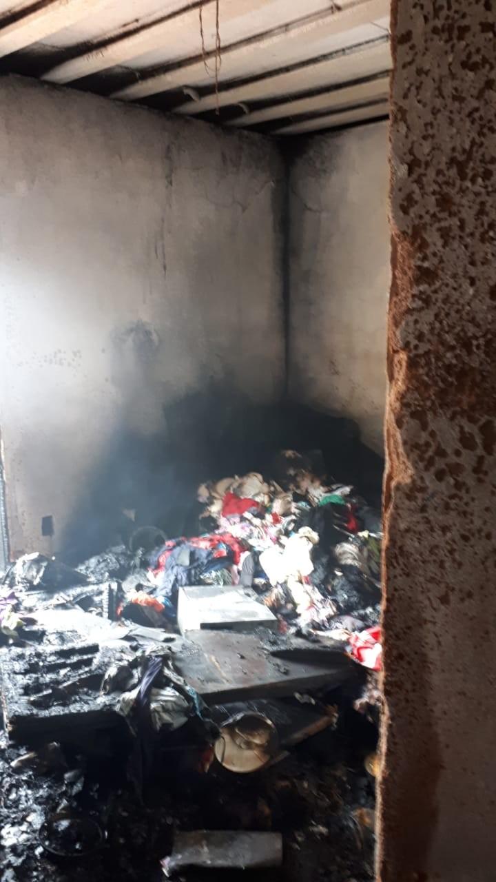 Incêndio atinge quarto de casa em Petrópolis, no RJ  - Notícias - Plantão Diário