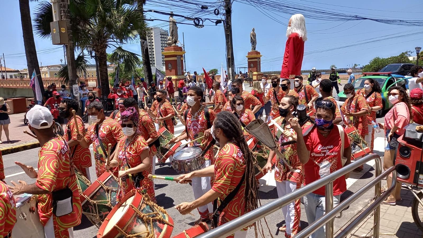 Centenário de Paulo Freire é celebrado com música, live com Alceu Valença, cortejo e homenagens no Recife