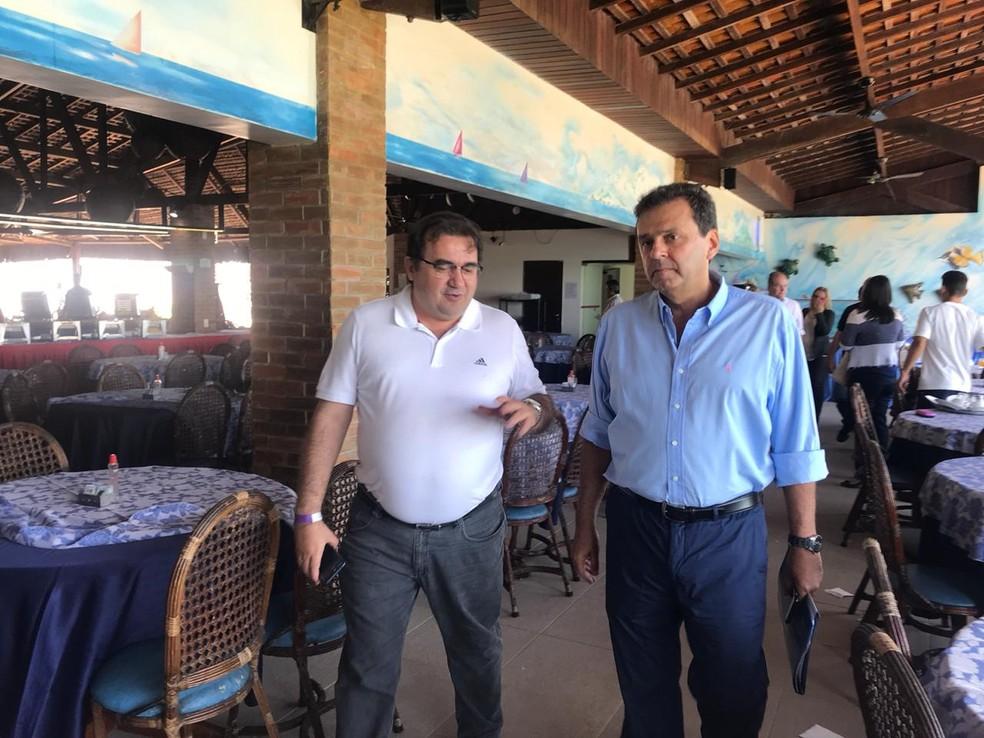 Carlos Eduardo (PDT) esteve no evento da Arquidiocese de Natal — Foto: Michele Rincon/Inter TV Cabugi