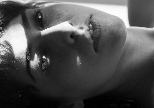 Fernanda Paes Leme faz nu artístico para projeto (Foto: Reprodução/Instagram)