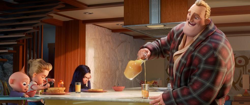 Senhor Incrível fica em casa com as crianças e Mulher Elástica vai combater o crime em 'Incríveis 2' (Foto: Divulgação)