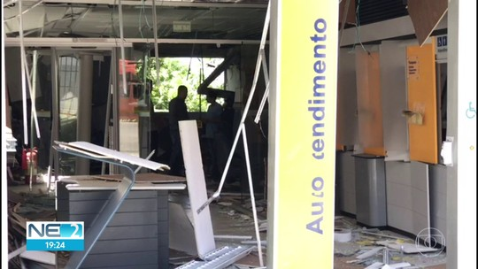 Bandidos explodem cofre de agência bancária em Venturosa