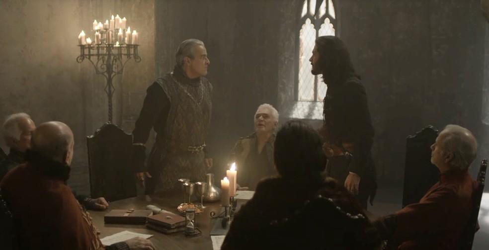 Afonso e Augusto tem discussão durante encontro do Conselho da Cália (Foto: TV Globo)