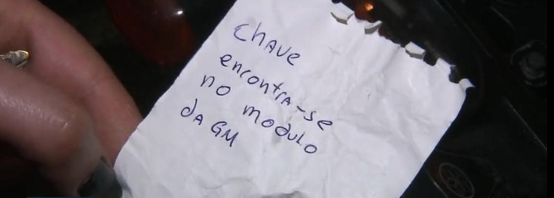 Homem acha chave de moto na ignição, entrega para Guarda Municipal para evitar roubo e deixa bilhete para donos em Curitiba