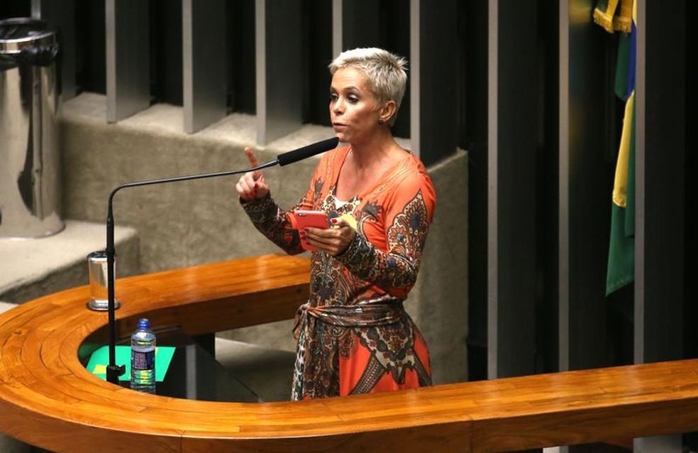 A deputada Cristiane Brasil durante discurso no plenário da Câmara (Foto: Fabio Rodrigues Pozzebom/Agência Brasil)