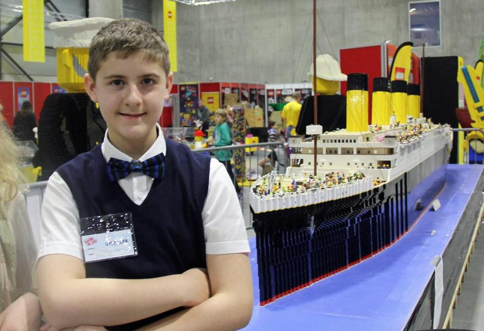 Brynjar em uma das exibições de sua réplica do Titanic (Foto: Arquivo Pessoal)