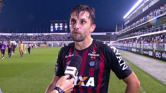 """Paulo André sobre o pênalti marcado no fim da partida: """"Foi uma piada"""""""