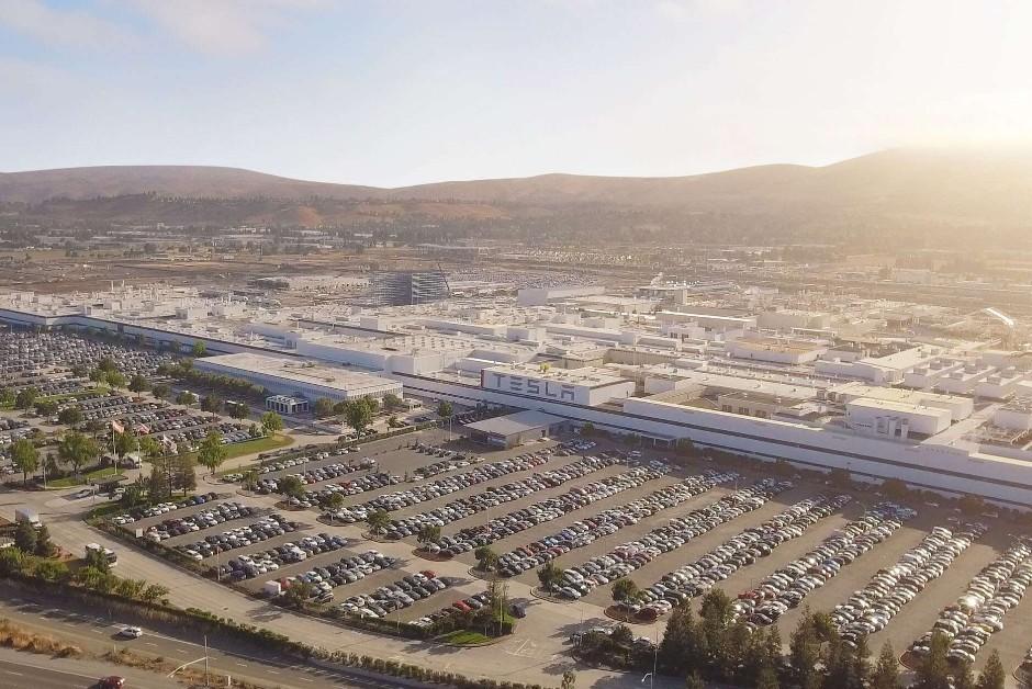 Fábrica da Tesla na Califórnia, nos Estados Unidos (Foto: Divulgação)