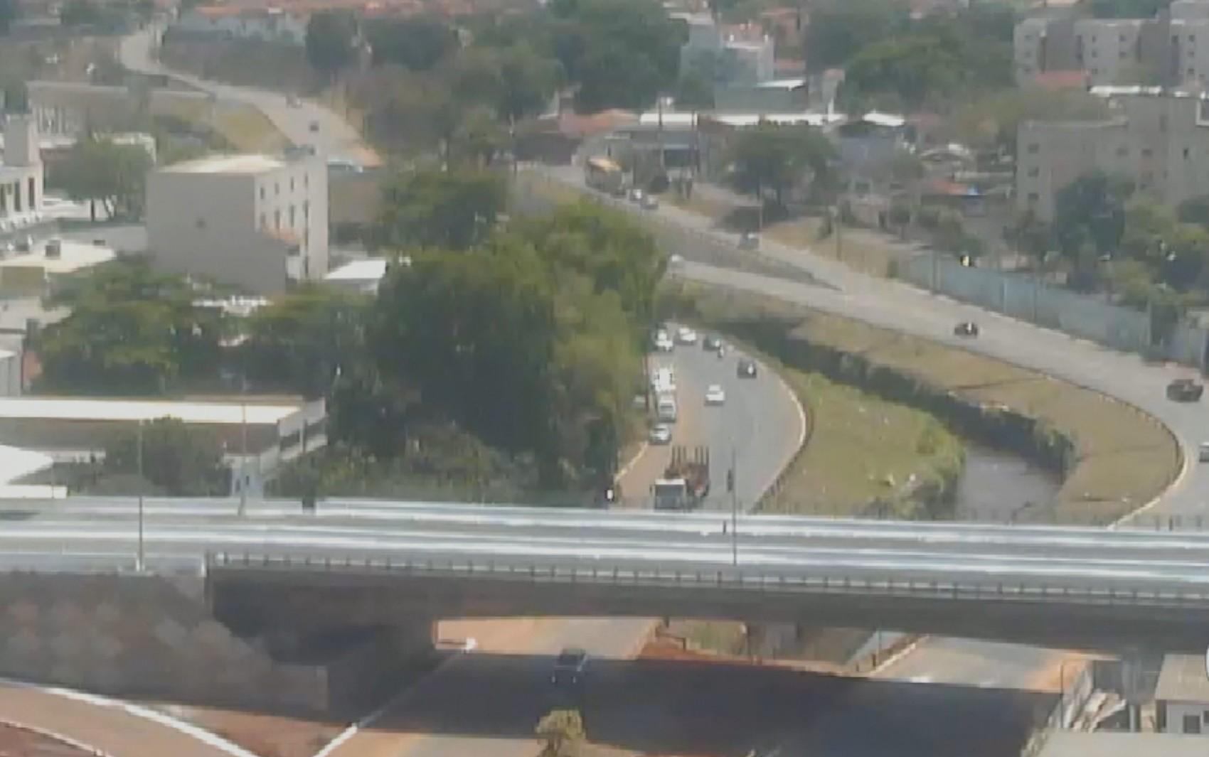 Prefeitura inaugura trecho da Leste Oeste e viaduto na região da 44, em Goiânia