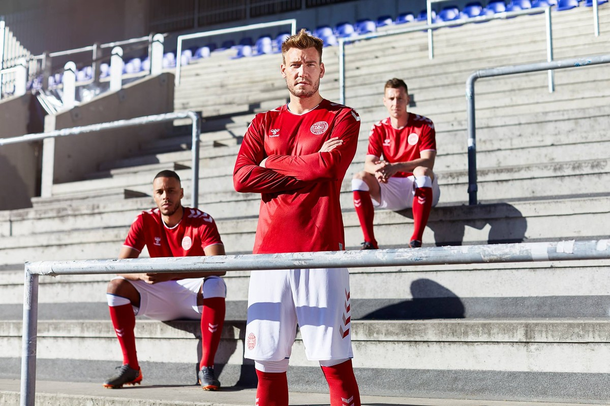 d83e161be54de Dinamarca lança uniformes para a Copa  veja também camisas de Sérvia e  Senegal