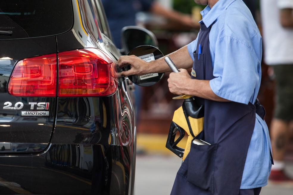 Postos repassaram o aumento da gasolina ao consumidor — Foto: Marcelo Brandt / G1